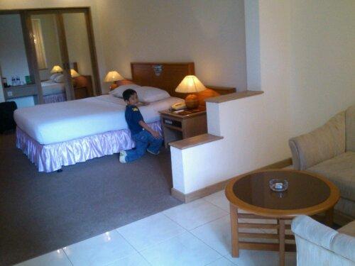 Hotel Purnama Batu I Love You Indri Hapsari